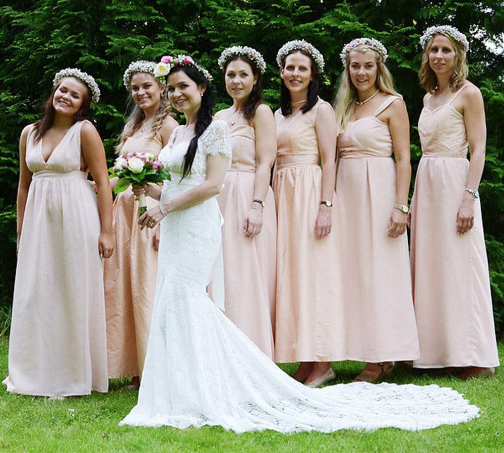 Bestill skreddersydde brudepikekjoler hos Belle skredderi i Bergen.